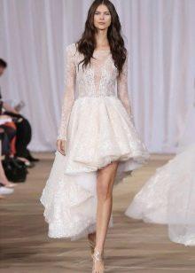 Короткое платье свадебное с кружевом