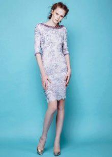 Весенне платье-футляр