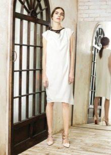Платье на каждый день белое