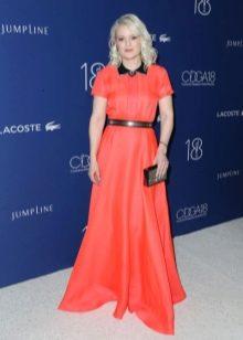 Весеннее платье-рубашка с красной дорожки