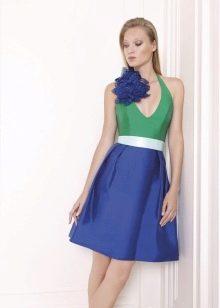 пример цветка из ткани на коротком платье