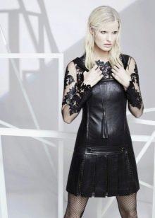 Кожаное платье с рукавами прямое