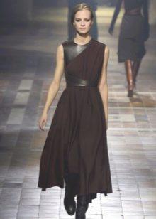 Платье с кожаными плечами