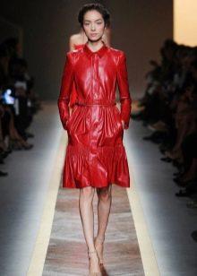 Кожаное платье-рубашка красное