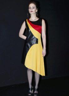 Кожаное платье асимметричное черно-желтое