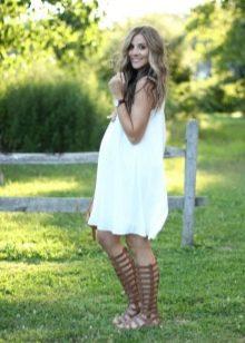Летнее платье для беременных белое