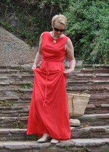 Летнее платье для женщин 50 лет в пол