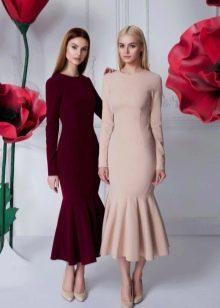 Осеннее платье миди с воланами