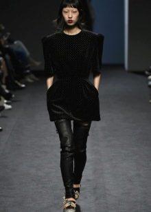 Осеннее платье-туника черное