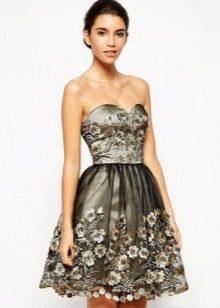 Платье-бандо для женщин с фигурой перевернутый треугольник