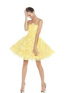 Платье без бретелей А-силуэта короткое