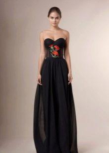 Платье без бретелей с вышивкой