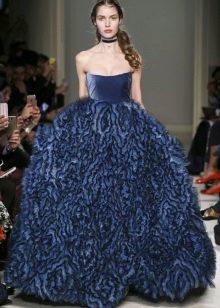 Платье без бретелей пышное синее