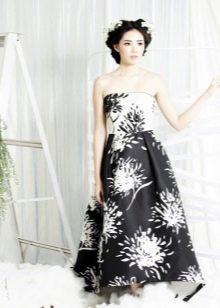Платье без бретелей черно-белое с принтом