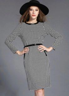 Платье-футляр гусиные лапки