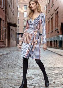 Платье из джерси с геометрическим принтом