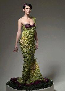 Платье из овощей