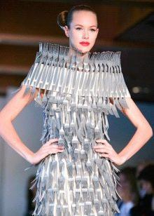 Платье из вилок