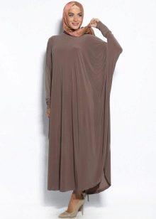 Длинное платье летучая мышь кофейного цвета