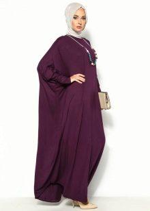 Длинное бордовое платье летучая мышь свободного кроя