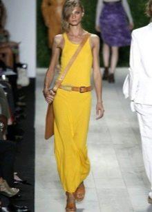 Длинное платье-майка желтого цвета