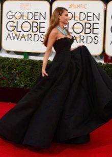 Длинное черное платье-бюстье с юбкой солнце