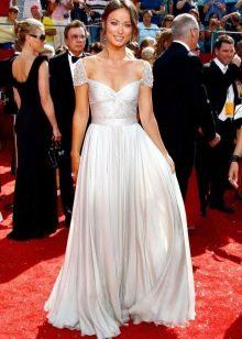 Длинное белое платье с юбкой солнце