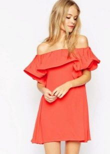 Платье-сарафан без бретелей с рюшами на лифе для фигуры Треугольник