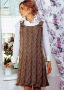 Теплое вязаное платье-сарафан
