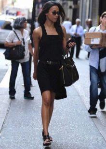 Черное платье-сарафан с ремнем