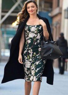 Платье-сарафан в сочетание с пальто
