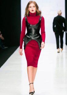 Шерстяное платье с вискозой