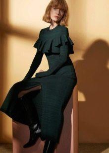 Шерстяное платье с вискозой  закрытое
