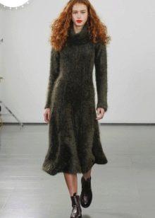 Шерстяное платье теплое с рукавами