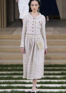 Твидовое платье от Коко Шанель с рукавами