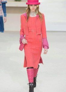 Твидовое платье от Коко Шанель розовое