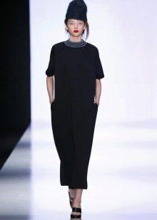 Черное шерстяное платье