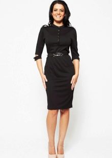 Черное платье в стиле милитари