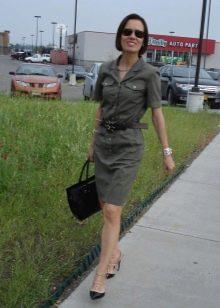 Туфли-лодочки к платью в стиле милитари