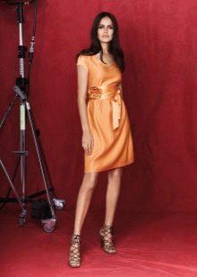 Платье из крепдешина оранжевое