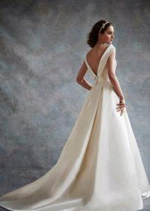 Платье из крепдешина свадебное с открытой спиной