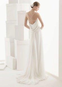 Белое платье с открытой спиной на бретелях