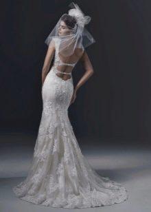 Двойной ажурный вырез на спине свадебного платья
