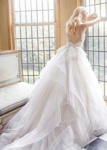 Свадебное платье с открытой спиной пышное