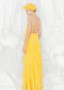 Желтое платье с открытой спиной