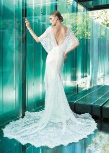 Платье с открытой спиной и короткими рукавами