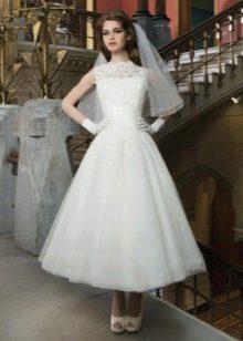 Свадебное платье в стиле 60-х из кружева и фатина