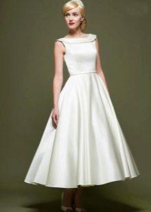 Свадебное атласное платье в стиле 60-х