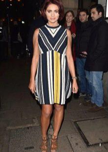 Платье прямого кроя в стиле 60-х для полных