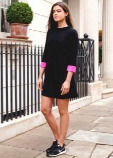 Платья свободного кроя в стиле 60-х для женщин имеющих выпирающий живот